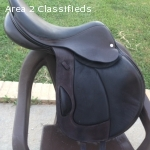 Custom Saddlery Fleur de Lys Monoflap Jump Saddle
